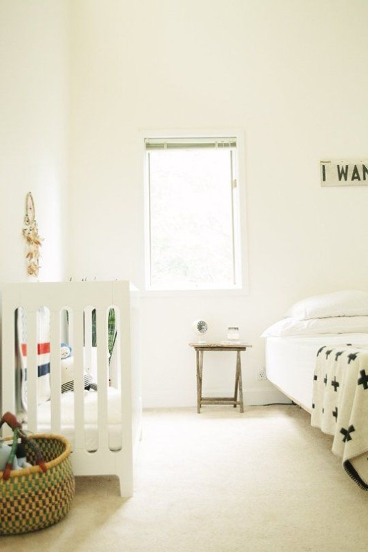 sharing bedroom with baby decor ideas and inspiration. Black Bedroom Furniture Sets. Home Design Ideas