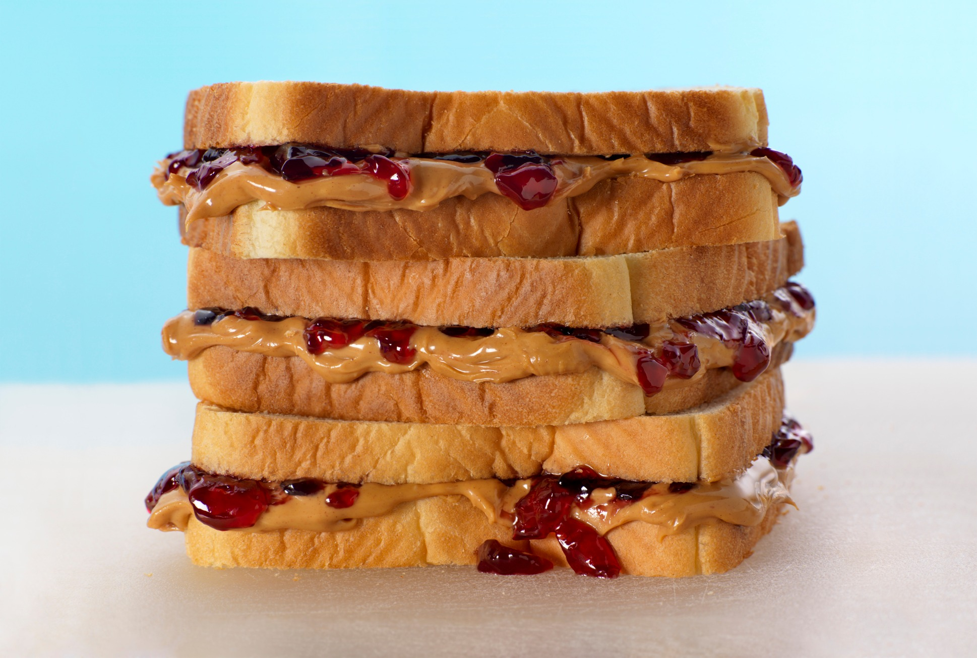 preparing a peanut butter and jelly sandwich From one peanut butter and jelly sandwich she taught families to plan and prepare special what are the benefits of peanut butter & jelly sandwiches.