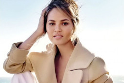 Mother-Quoted-Chrissy-Teigen3