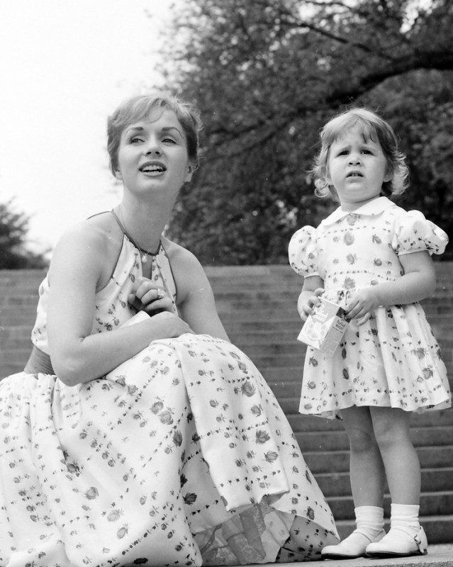 Famous Mother Daughter Duos Photos