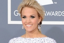 carrie.underwood.grammys.2012.red.carpet.01