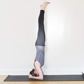 five yoga poses to try at home