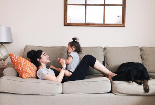 Mom-Talk-Parenting-While-Being-Parented