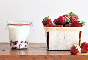 Mother-Homemade-Strawberry-Yogurt